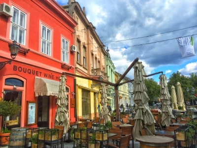 novi-sad-colorful-buildin